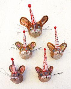 #papermache #papiermache #papercraft #fauxtaxidermy #animalbust #fauxtaxidermydecor #contemporarycraft #wallhanging #naturedecor #animaldecor #kidsdecor #originalgift #ratlover #rat #mouse