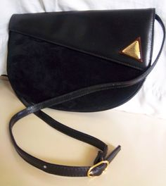 Vintage Black Leather Purse.
