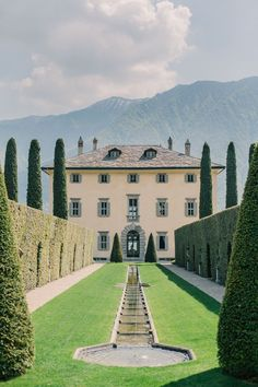 An Elegant French Touch At Villa Balbiano On Lake Como - Page 2 of 31 - Wedding Dream - Vanesha O Jioda Beautiful Homes, Beautiful Places, Comer See, Storybook Wedding, Lake Como Wedding, Italian Villa, French Villa, Venice Travel, Italy Wedding