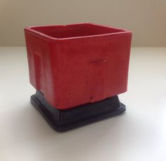 Rare Art Deco Graniver red cactuspot design A.D. Copier in 1929 executed by Glassfactory Leerdam.