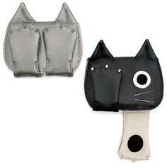 Kitty pasará a la historia con estos accesorios en forma de gato