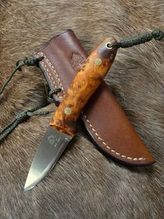 Handmade Bushcraft Knives and Woodcraft Knives