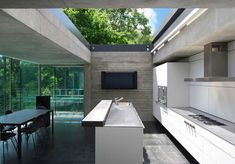 Kitchen with open air ceiling