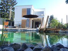 Kleingarten Haus mit Naturpool Outdoor Decor, Home Decor, Doorway Ideas, Lawn And Garden, Haus, Interior Design, Home Interior Design, Home Decoration, Decoration Home