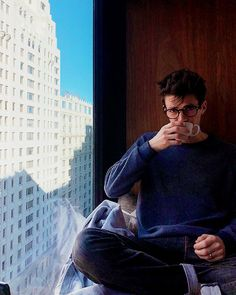 Shared by Arianna. Find images and videos about the flash and grant gustin on We Heart It - the app to get lost in what you love. John Keats, Concessão Gustin, Grant Gusting, Asa Buterfield, Flash Wallpaper, Boys Wallpaper, O Flash, Flash Barry Allen, Harrison Osterfield