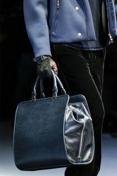 El bolsón o la maleta de viaje; Un maletín para 24 ó 36 h.