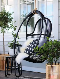 7 Fast And Easy Summer Decorating Ideas For Any Budget! Outdoor Landscaping, Outdoor Gardens, Outdoor Spaces, Outdoor Living, Terrace Garden, Cozy Cottage, Diy Patio, Home And Deco, Dream Decor