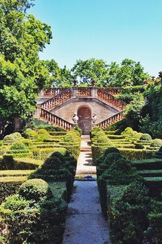 Los colores de Barcelona  Secret gardens in Barcelona! I took a day trip and enjoyed the peace and quiet with a few sandwiches and a book + what to do in Barcelona  #barcelona #travelguide