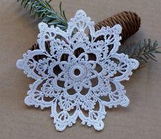 Holiday Crochet Patterns, Crochet Snowflake Pattern, Crochet Snowflakes, Crochet Mandala, Easy Crochet Patterns, Crochet Motif, Crochet Doilies, Crochet Home, Crochet Christmas Decorations