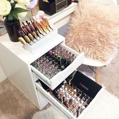 Glosses and Lipsticks and brushes and palettes.... These are a few of my favourite things Link...