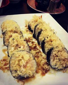 Den- Shell Washington Roll deliciously made with soft shell crab!  Photo credit: @omnomtequila  #sushi #sushiroll #sushiholic #sushilover #sushiislife #sushigram #tylertx #tylertxfood #yummy #yummyyummyinmytummy #softshellcrab #crab #foodie #foodlover #foodstagram #japanesefood #foodphotography #eelsauce #deliciousfood #delicioso #getinmybelly