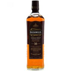 Whisky Bushmills Single Malt 16 años: Está madurado en tres tipos de barrica: bourbon jerez y con un terminado en barrica de oporto. Como resultado de sus 16 años de maduración ofrece al olfato toques de almendras y ligeros toques de nuez dulce. Tiene s