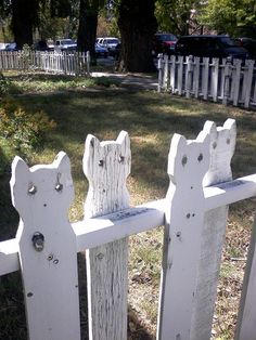 Cat Fence-would be super cool to add those flat marbles to the eyes!