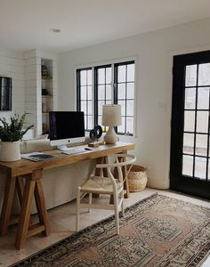 Trendy Home Office Table Desk Organizations Desk In Living Room, Living Room Interior, Home Interior, Small Desk For Bedroom, Living Rooms, Farmhouse Interior, Small Bedrooms, Modern Farmhouse, Interior Decorating