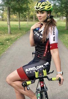 Female Cyclist, Cycling Girls, Bicycle Girl, Triathlon, Mountain Biking, Punk, Cyclists, Bicycles, Lady