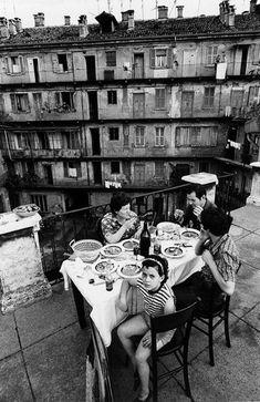 Gianni Berengo Gardin | Casa di ringhiera | Milano