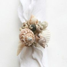 Dransfield & Ross Shell Cluster Napkin Ring in Natural