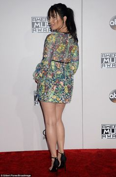 "bestcelebritylegs: ""Olivia Munn sexy legs in a short dress at the AMAs "" I love her tight mini dress and high heels, she has beautiful legs. Olivia Munn, Women With Beautiful Legs, American Music Awards, Girls World, Female Form, Sexy Legs, Peplum Dress, Skirt Set, Celebrity Style"