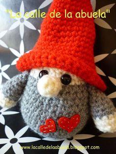 """Street grandmother Family Tomtez: """"The little Fino"""". Crochet Home, Crochet Dolls, Crochet Baby, Free Crochet, Christmas Crochet Patterns, Christmas Knitting, Amigurumi Patterns, Doll Patterns, Knitting Projects"""