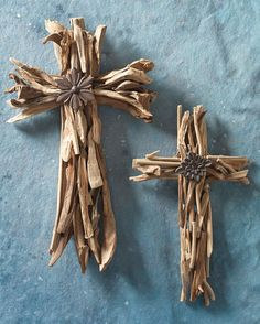 Driftwood Cross from the 2012 RAZ Telluride Sleigh Ride Collection www.trendytree.co...