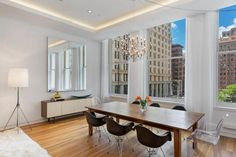 The Dining Area - Paris Hilton's Manhattan Penthouse - Photos Manhattan Penthouse, New York Apartments, Rich Home, Sims House, White Rooms, Celebrity Houses, Paris Hilton, Home Entertainment, Vienna