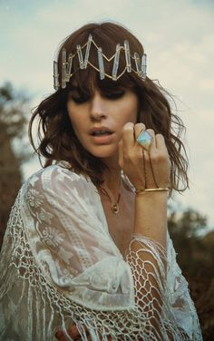 Boho jewelry // Rings, bracelet, necklace, earrings + flash tattoos // Bohemian style silver and turquoise // Bronze and Gold Jewellery // For Gypsy wanderers + Free Spirits // For more visit Hippie Style, Bohemian Gypsy, Gypsy Style, Hippie Chic, Bohemian Style, Boho Chic, Looks Style, Looks Cool, Hippie Vintage
