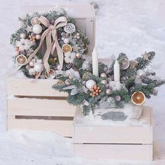 "leranel på Instagram: ""❄🍊 #flowers #flora #floristic #botany #firtree #orange #candle #newyear #newyeardecor #christmas #winter #frosty #snow #pastel #cotton…"" Botany, Christmas Wreaths, Flora, Candle, Pastel, Snow, Orange, Holiday Decor, Winter"