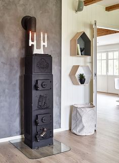 This beautiful home wins People Price Storage Boxes, Locker Storage, Boho Deco, Gravity Home, Dining Room Inspiration, Elle Decor, Pantone, Beautiful Homes, Shelves