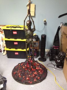Halloween Forum member build. Great idea for burning witch at the stake!