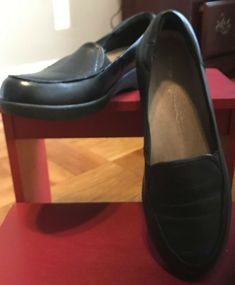 ff8ca63ed0bc4 Easy Spirit Women s Casual Loafer Shoes Black Leather Size 7.5 M  fashion   clothing