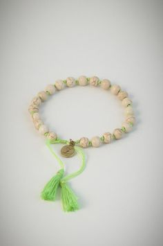 Green bracelet with white lucky stones. Lucky Stone, Stones, Beaded Bracelets, Green, Jewelry, Jewellery Making, Rocks, Jewerly, Jewelery
