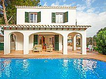 Villa Bini Cubi, Binibeca Vell, Menorca Sleeps 3 to 6 people Menorca holiday villa with private pool, near tavernas and beaches, Wifi Internet, Barbeque, in a village location, Car not essential.