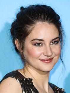 shailene woodley outfits best outfits - Page 2 of 72 - Celebrity Style and Fashion Trends Shailene Woodley, Prettiest Actresses, Beautiful Actresses, Rosy Makeup, Muslim Beauty, Social Trends, Pretty People, Beautiful People, Beautiful Ladies