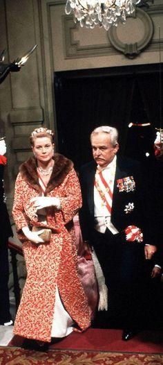 Princess Grace Kelly and Prince Ranier of Monaco.  Uploaded By  www.1stand2ndtimearound.etsy.com