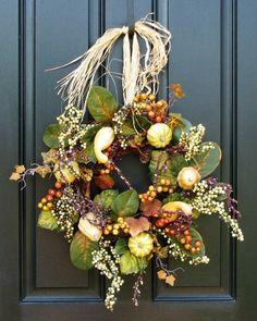 using raffia to hang a wreath