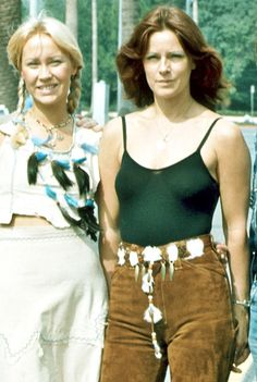 """All About ABBA fuckindiva: """"Agnetha Fältskog and Anni-Frid Lyngstad from Abba """" Whooaaa Agnetha & Frida being superstars in Los Angelos Filles Punk Rock, Divas, Frida Abba, Superstar, Abba Mania, Trendy Summer Outfits, Female Singers, Pop Music, Belle Photo"""