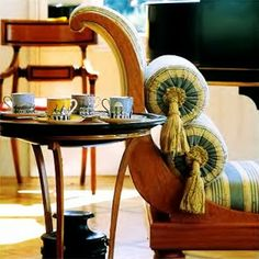 Empire interior style