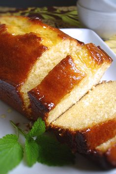Recipe for Lemon Ricotta Pound Cake - This is incredibly moist and delicious, somehow nothing better than lemony treats. also a cinch to throw together. Amazing Cake for everyday Lemon Desserts, Lemon Recipes, Just Desserts, Sweet Recipes, Baking Recipes, Delicious Desserts, Dessert Recipes, Baking Pan, Food Cakes