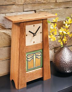 Instructions on making this Craftsman style clock with a handmade tile. Shown here with a dragonfly tile. Craftsman Clocks, Craftsman Furniture, Craftsman Style, Mission Furniture, Craftsman Homes, Woodworking Furniture Plans, Woodworking Projects That Sell, Woodworking Crafts, Woodworking Chisels
