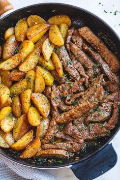 Garlic Butter Steak and Potatoes Skillet - This easy one-pan recipe is SO simple. - Garlic Butter Steak and Potatoes Skillet - This easy one-pan recipe is SO simple. Garlic Butter Steak and Potatoes Skillet - This easy one-pan recip. Skillet Potatoes, Cook Potatoes, Steak Potatoes, Meat And Potatoes Recipes, Skillet Food, Cast Iron Skillet Meals, One Skillet Meals, Cast Iron Steak, Steak On Skillet