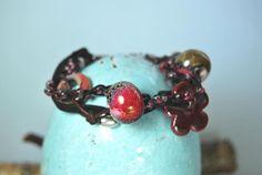 Armband beige - rot - schwarz - braun mit Blume  von DaiSign auf DaWanda.com