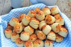 Álompuha sajtos pogácsa bögrésen | Rupáner-konyha Croatian Recipes, Hungarian Recipes, Savory Pastry, Salty Snacks, Recipes From Heaven, Cata, Winter Food, Sin Gluten, Diy Food