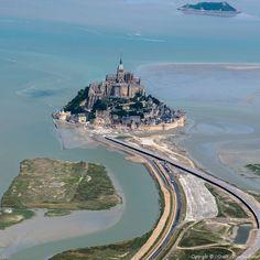 ✈️ Photo aérienne de : Mont-Saint-Michel - Manche (50)
