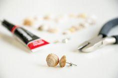 """Ich habe eine neue """"Lieferung"""" Muscheln erhalten, direkt vom griechischen Strand in mein Wohnzimmer und auf Wunsch waren dieses Mal viele kleine dabei, die sich perfekt zum Schmuck herstellen eigne..."""