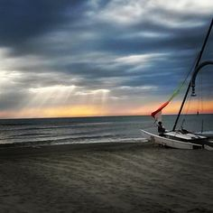 """""""Sailing ❤ #repost #lifeisbrilliant #hobie #hobiecat #sailing #ship #dawn #paradise #landscape"""""""