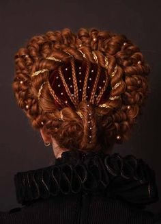 Braided hairdo with eeuw renaissance Elizabethan Renaissance Hairstyles, Historical Hairstyles, Vintage Hairstyles, Braided Hairstyles, Cool Hairstyles, Fantasy Hairstyles, Mode Renaissance, Elizabethan Fashion, Elizabethan Era