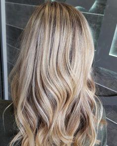 Dimensional blonde, highlights, lowlights, aloxxi, long hair