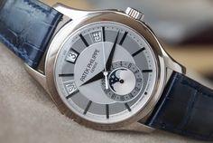 百達翡麗 (Patek Philippe) [NEW][SPECIAL] 5205G Complications Grey Dial White Gold Watch (Retail:HK$359000) ~ NOVEMBER SPECIAL: HK$278,000.
