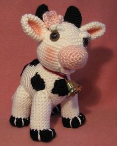 Molly Moo The Amigurumi Cow MollyMoo The Amigurumi Cow von APDesigns auf Etsy Crochet Cow, Crochet Animals, Crochet Crafts, Crochet Dolls, Crochet Projects, Free Crochet, Amigurumi Patterns, Crochet Patterns, Cow Pattern