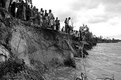 মাত্র দু'দিন আগে, শনিবার, সমকালের প্রধান শিরোনাম ছিল_ 'পদ্মায় পানি বাড়ছে…